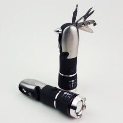 多功能工具電筒