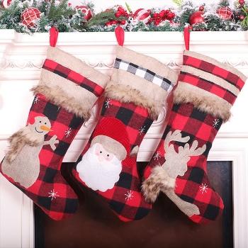 格紋佈拼接聖誕襪